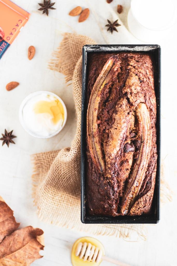 Banana Bread con mandorle, anice stellato e cioccolato. Buono buono, senza compressi!